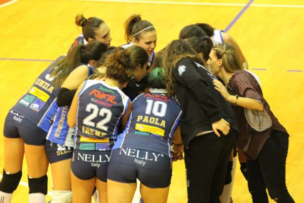 nelly-volley-3