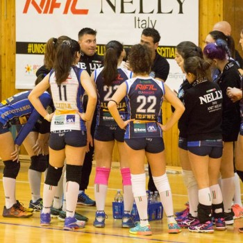 nelly-volley-4